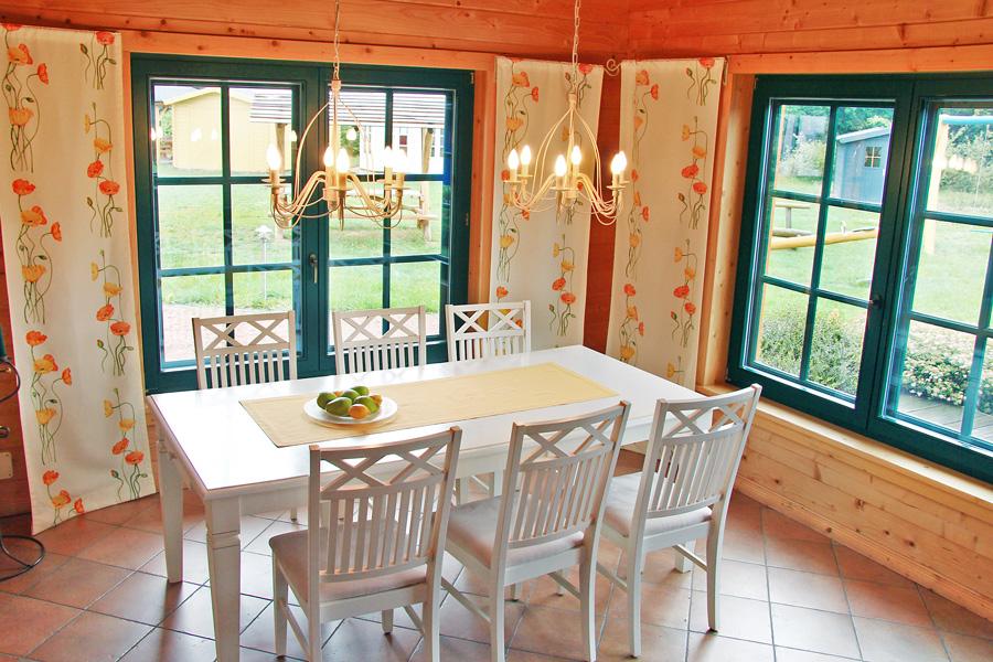 helle Räume sind möglich im Blockhaus.
