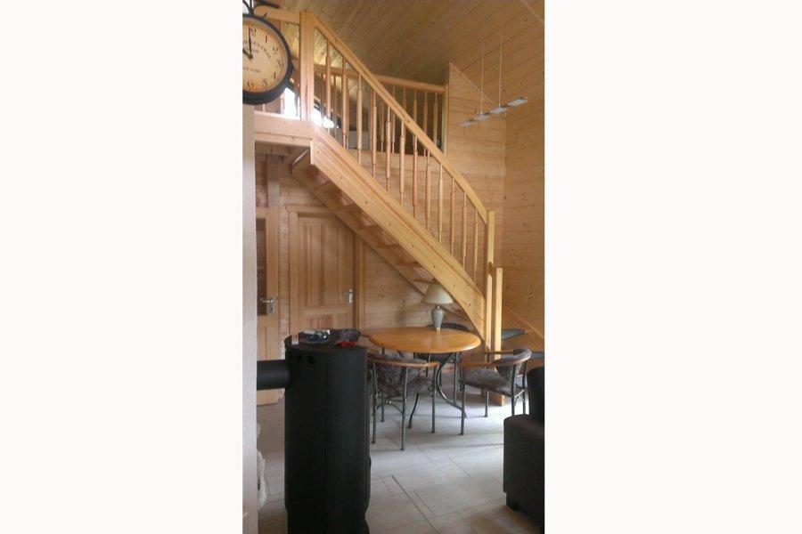 "Offene Räume im Holzhaus. Blockhaus ""Templin"""
